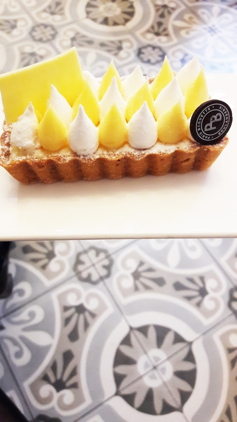 Paris Baguette. A café with the perfect mix of old and new and delicious pastries. | ahedgehoginthekitchen.com