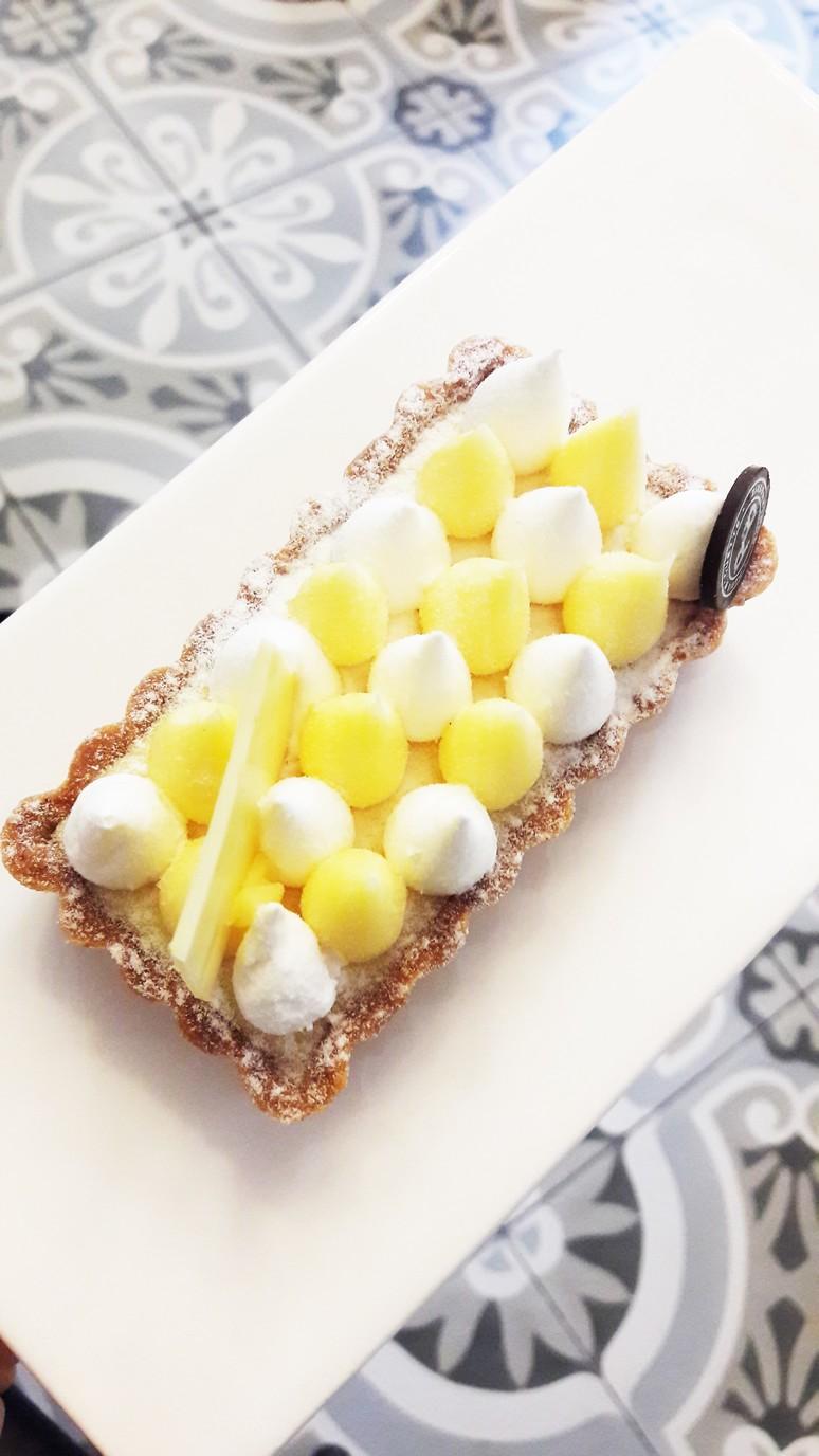 Paris Baguette. This is the BEST lemon meringue tart ever! | ahedgehoginthekitchen.com