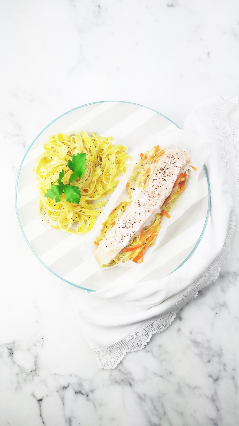 These 5 easy salmon recipes are perfect for weeknight dinners, healthy lunches and tasty picnics. | ahedgehoginthekitchen.com