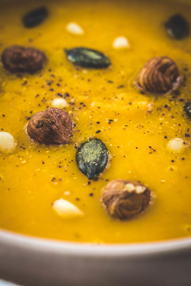 Autumn glow butternut squash soup | ahedgehoginthekitchen.com