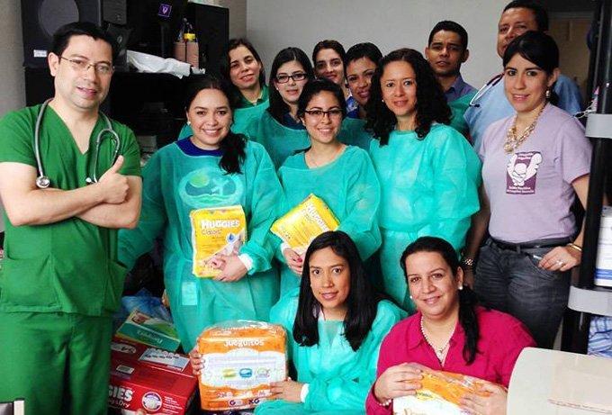 Voluntarios De Ficohsa Realizan Recolecta Para El Hospital Materno Infantil