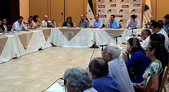 Representantes De Banhprovi Dieron A Conocer A Empresarios Y Urbanizadores, Los Pormenores Del Programa.