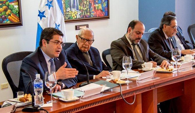 El Presidente Juan Orlando Hernández Realiza Histórica Visita A La AHIBA