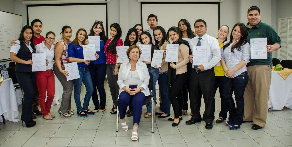"""Graduación De La Primera Promoción De Facilitadores De """"Comunicación De Lengua De Señas Hondureña"""" AHIBA Y FUHRIL"""