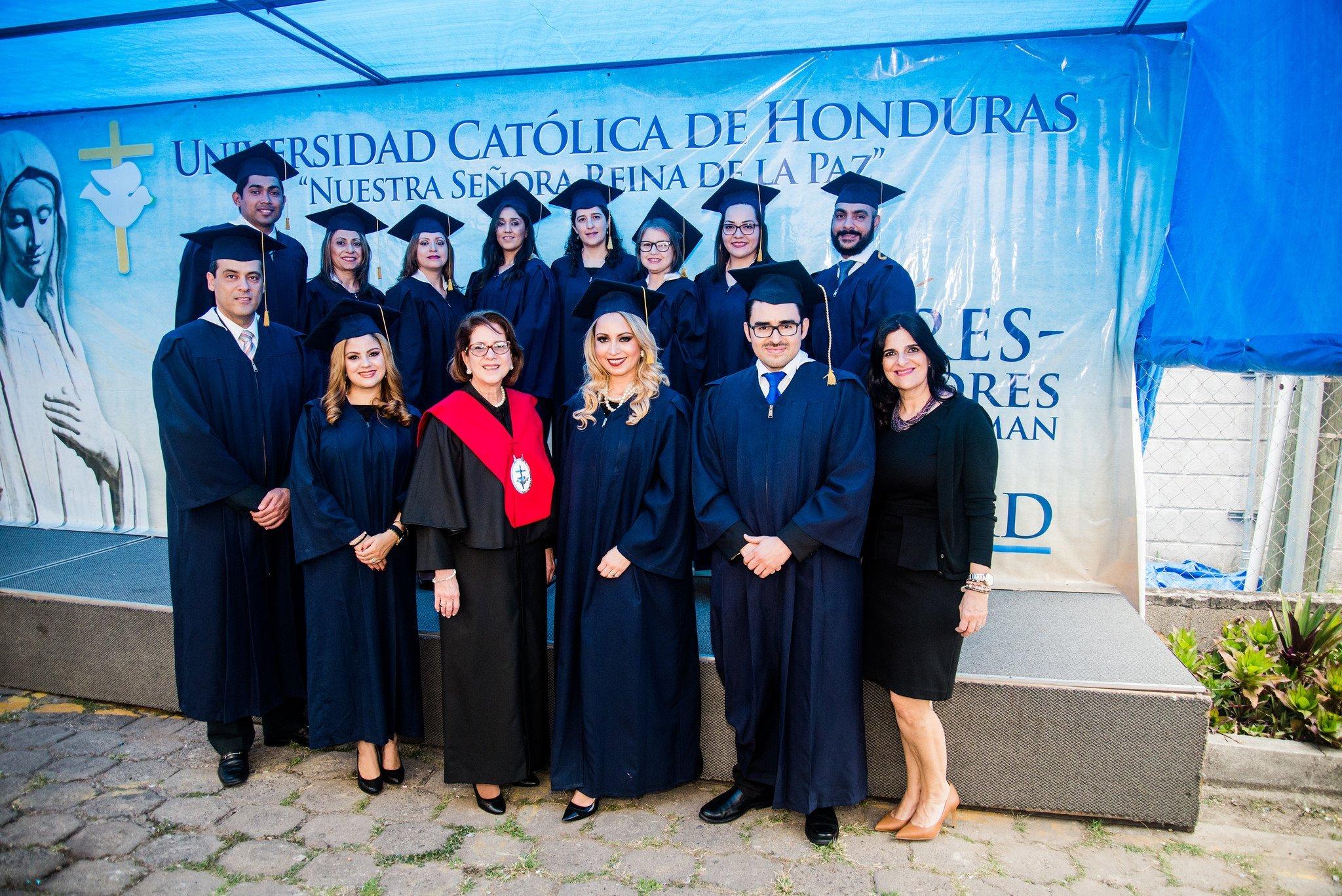 AHIBA Gradúa Estudiantes Del Programa De Formación Fiduciaria Internacional