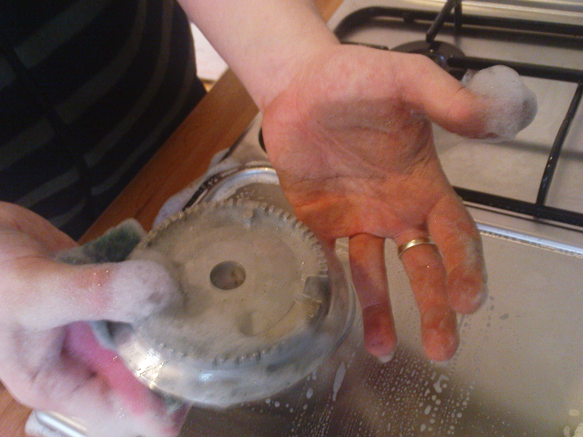 Chris' hands were clean before starting on the cooker