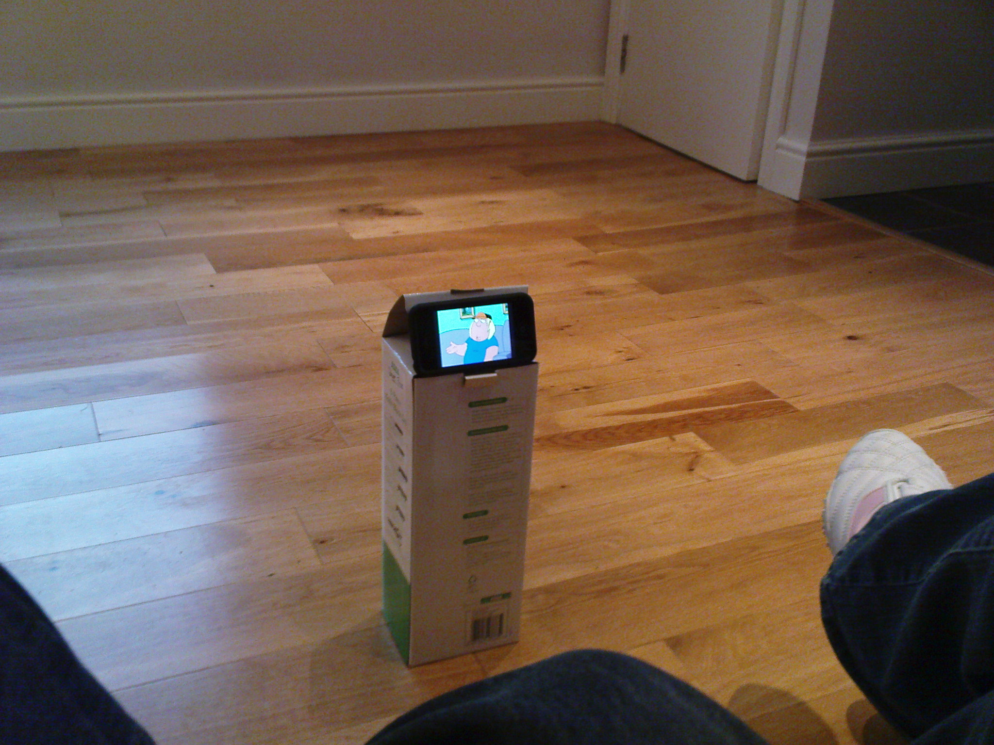 iPhone 2.0 - now with cardboard stand