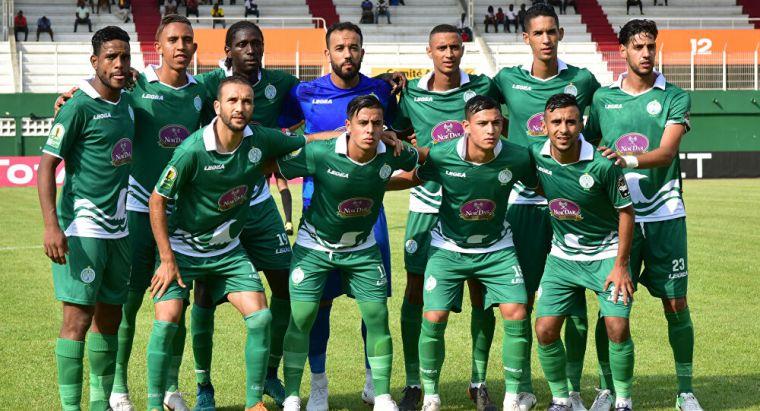 كاف يحرم الرجاء المغربي من 4 لاعبين أمام الأهلي فى السوبر الإفريقى