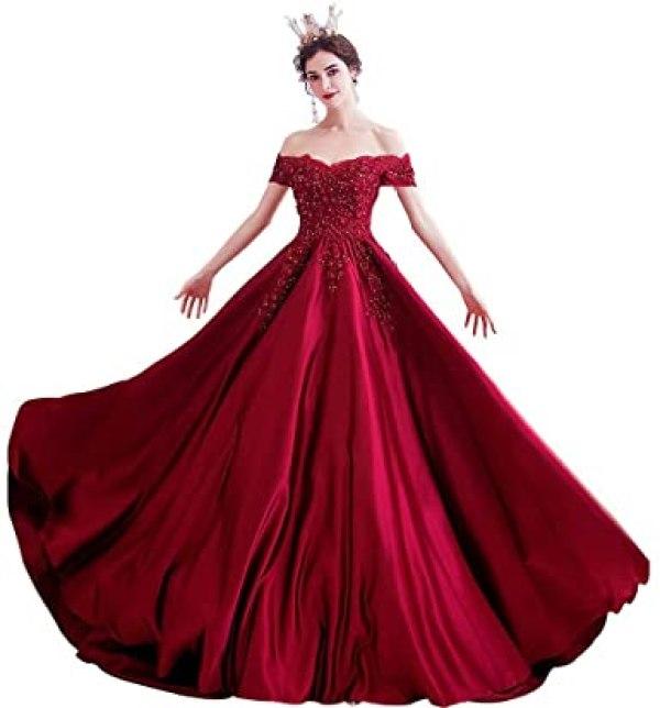 فستان سهرة باللون الأحمر