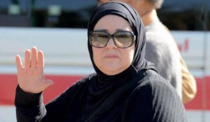 محمد رمضان يودع دلال عبد العزيز داعيا لأسرتها بالصبر والسلوان