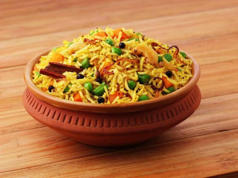 طريقة عمل رز بسمتي بالخضار والكركم - أطباق الأرز البسمتي