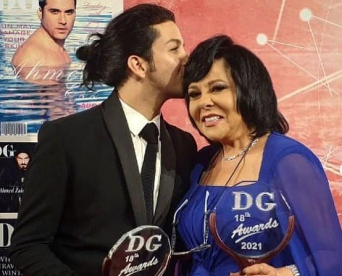 هشام جمال يهنئ إسعاد يونس بعد تكريمها في حفل جوائز مجلة دير جيست
