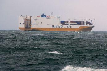 Grimaldi Lines auf dem Weg nach Südamerika