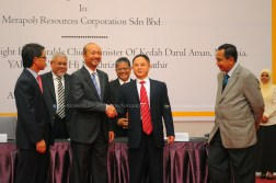 Merapoh Resources Corporation Sdn Bhd dan China Energy Huacheng Industrial Investment Co. Ltd Signing Ceremony