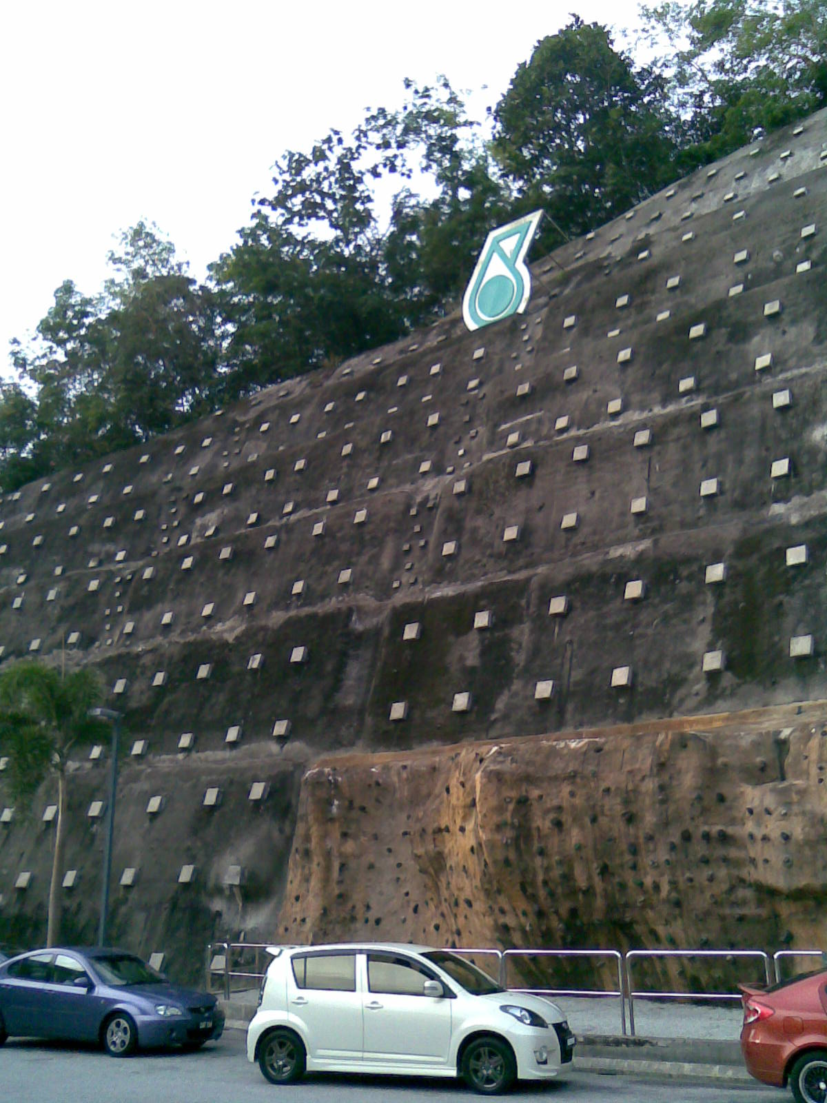 petronas-mountain1
