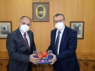 BUU REKTORU PROF DR AHMET SAiM KILAVUZ VE TURKSEKER GENEL MUDURU MUCAHiT ALKAN