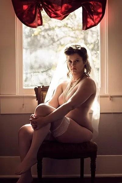 Bridal Nude Boudoir Photography Veil Vintage Stockings Pearls Ahnvee Photography Louisiana Photographer Lafayette, LA