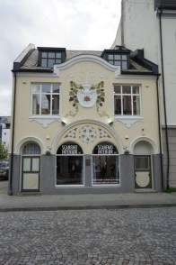 Haus mit Wandschmuck