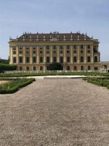 Seitenblick auf das Schloss