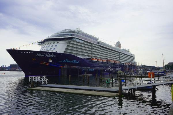 Mein Schiff am Ostseekai
