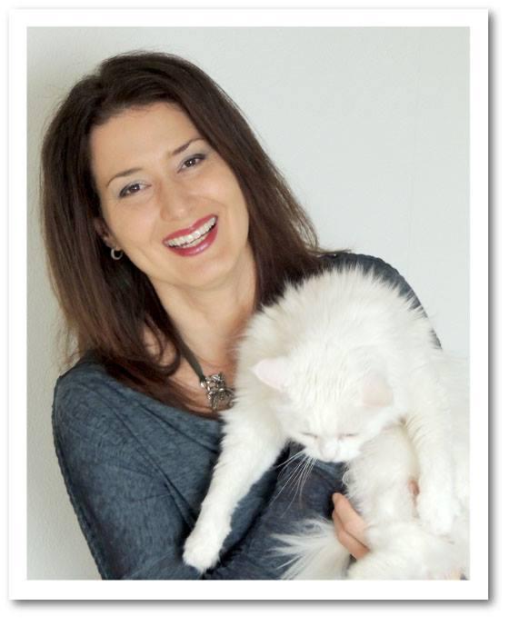 Isa Day mit Katze