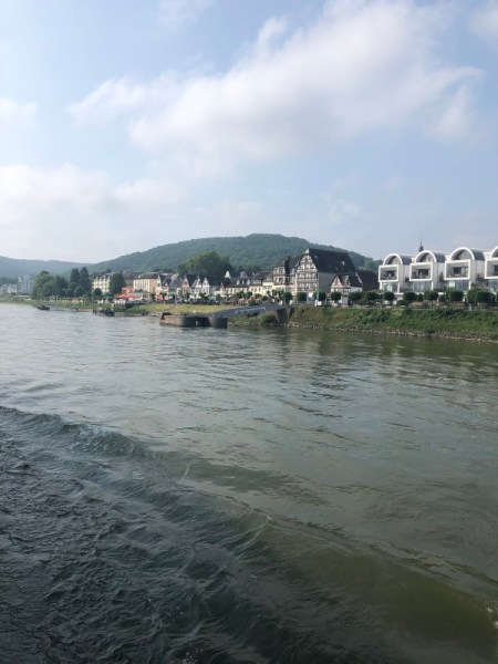 MS Viola - auf dem Weg nach Koblenz