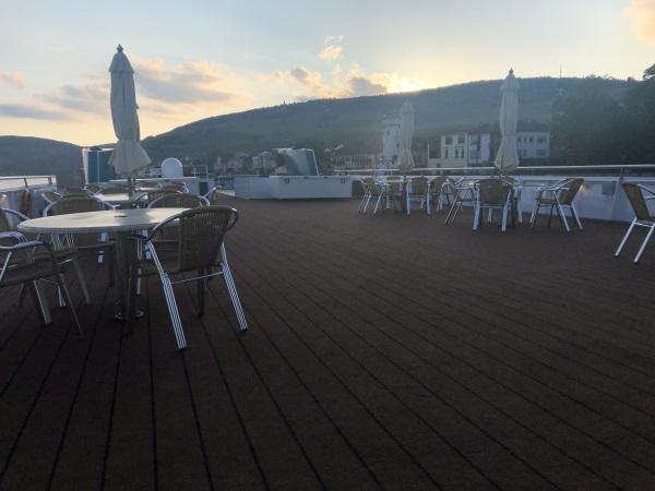 MS Viola - Deck 4 - am Abend auf dem Sonnendeck