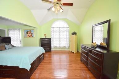 10 Master Bedroom (4)