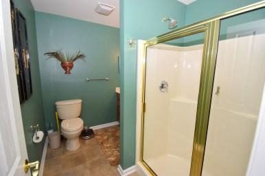 15 2nd Master Bathroom (1)