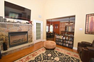 5 Living Room (2)