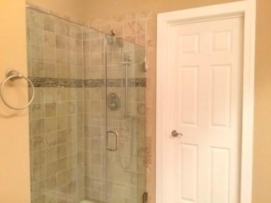 6 Master Bathroom (4)