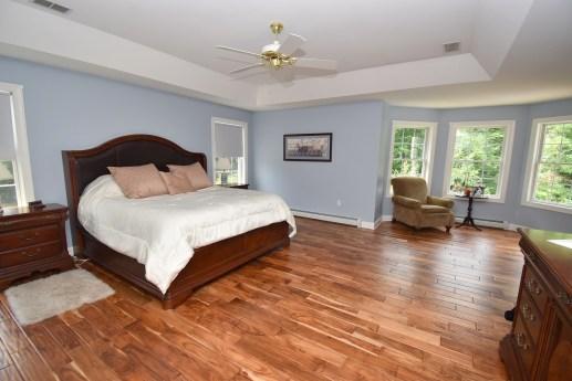 10 Master Bedroom (1)