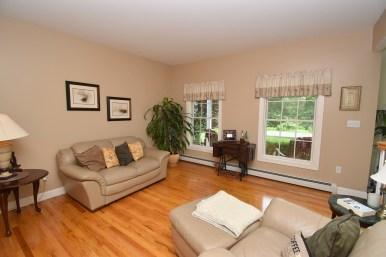 4 Living Room (2)
