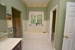 14 Master Bathroom (3)