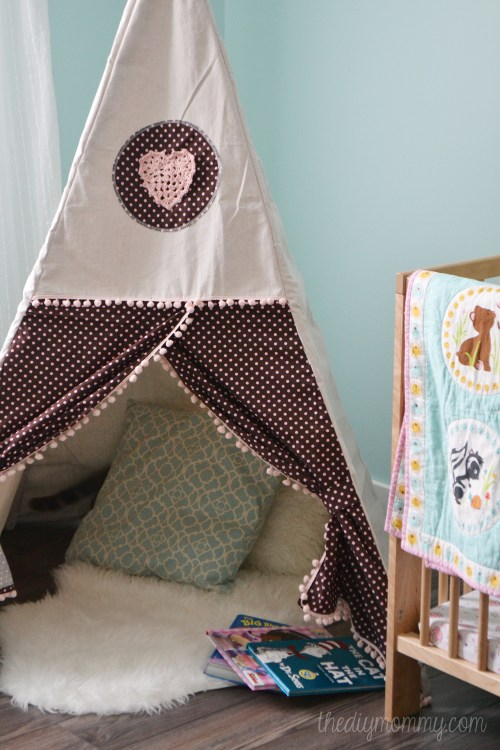 Teepee-Reading-Play-Tent-by-The-DIY-Mommy