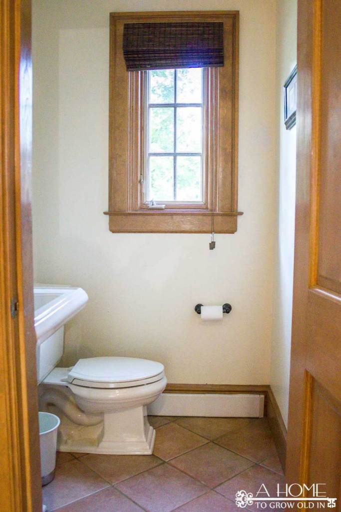 transitional-farmhouse-powder-room-makeover