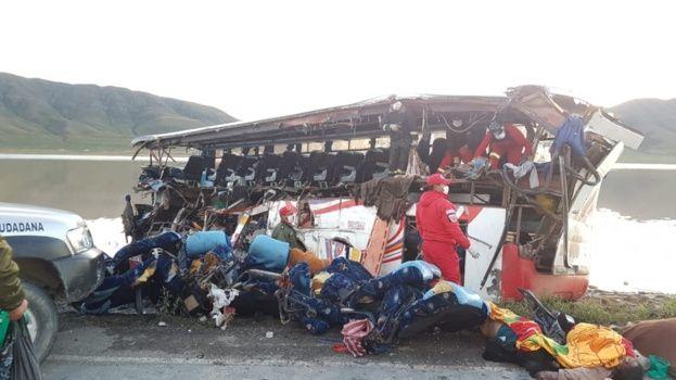 Sube a 24 el número de fallecidos por el accidente en carretera Oruro- Potosí