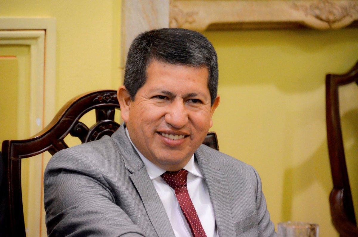 """Cívicos e instituciones declaran de manera unánime """"traidor a Tarija"""" al ministro Luis Alberto Sanchez"""