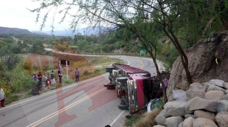 Tarija: Fatal accidente de camión se salda con una persona muerta y tres heridos