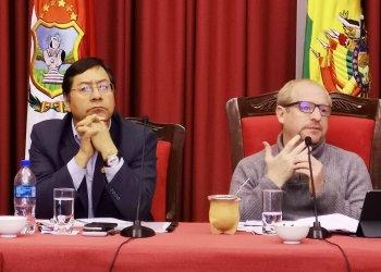 La reunión de ayer entre el Ministro de Economía y Finanzas Públicas, Luis Arce con el gobernador del departamento de Tarija, Adrián Oliva, y los alcaldes y sub gobernadores del departamento.