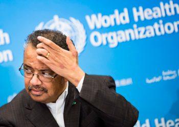 Tedros Adhanom Ghebreyesus, director general de la Organización Mundial de la Salud, habla con los medios durante una conferencia de prensa en la sede de la agencia en Ginebra, Suiza, el jueves 30 de enero de 2020. (Jean-Christophe Bott/Keystone vía AP)