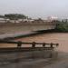 El puente antiguo de San Miguelito, entre Montero y Yapacaní, colapsó por la fuerza del río. Foto: ABC