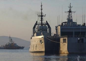 Buques de la Armada de Indonesia en el puerto de Tanjung Wangi durante la búsqueda del submarino KRI Nanggala (402), Java Oriental, Indonesia, 25 de abril de 2021. Crédito REUTERS