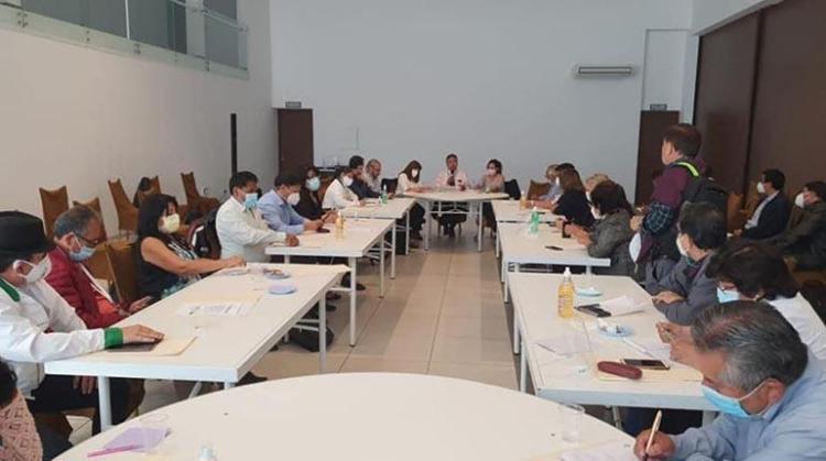 El Consejo Nacional de Salud durante su reunión de emergencia hoy en Cochabamba. | Colegio Médico de Santa Cruz