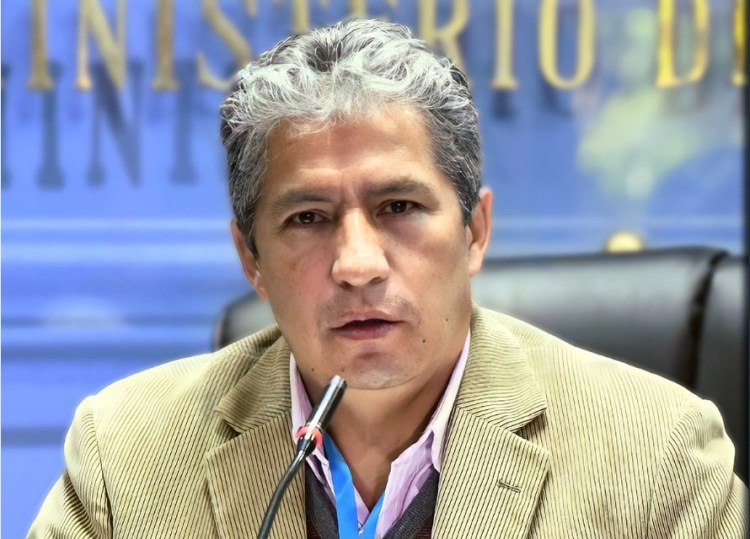 El ministro de Defensa, Edmundo Novillo