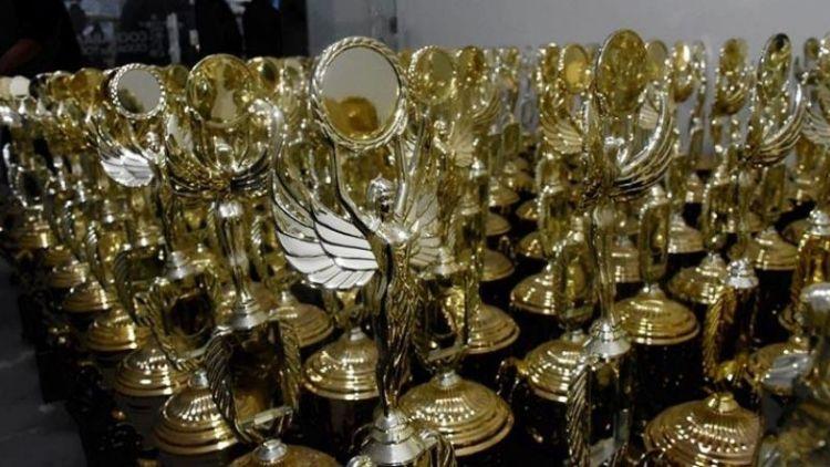 Los trofeos que estaban guardados en almacenes de la Alcaldía de Cochabamba. / Foto: Los Tiempos.