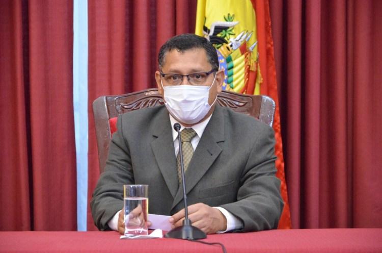 El gobernador del departamento de Tarija, Oscar Montes Barzón.