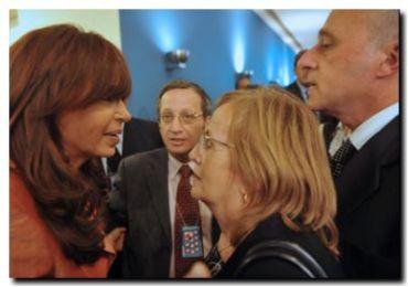 CAUSA AMIA: La Presidenta ordenó a Inteligencia desclasificar información solicitada por Nisman