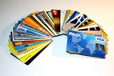 FALLOS: Determinan abusos de tarjetas de crédito