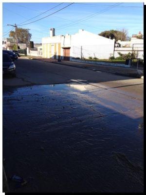 NECOCHEA: Rotura de caño de agua 67 entre 28 y diagonal hace más de 10 días